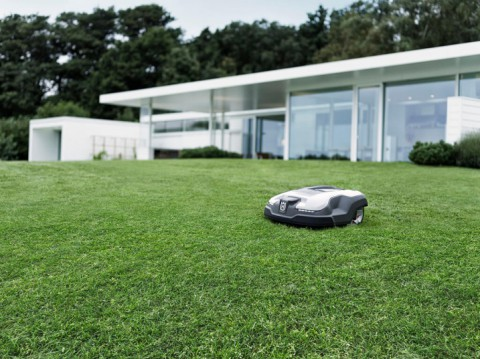 Automower® Vs Walk Behind Lawn Mowers
